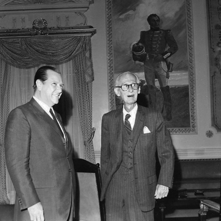 1969. Abril, 7. Encuentro con el expresidente Eleazar López Contreras en Miraflores.