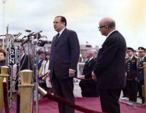 1969. Agosto, 6. Recibimiento en el aeropuerto El Dorado de Bogotá por el presidente Carlos Lleras Restrepo. Visita oficial con motivo del Sesquicentenario de la Batalla de Boyacá.