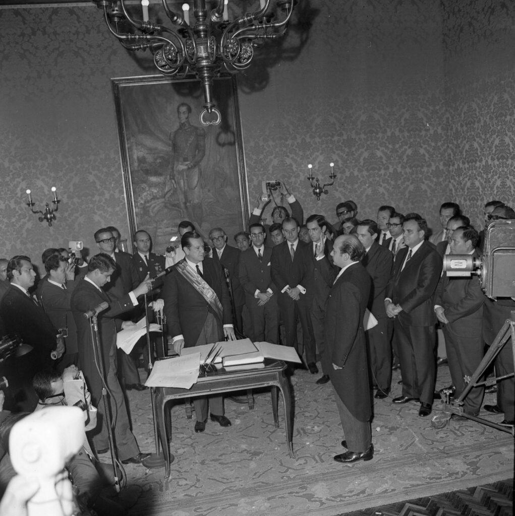1969. Marzo, 11. Nombramiento de Luis Alberto Machado como Secretario General de la Presidencia de la República.