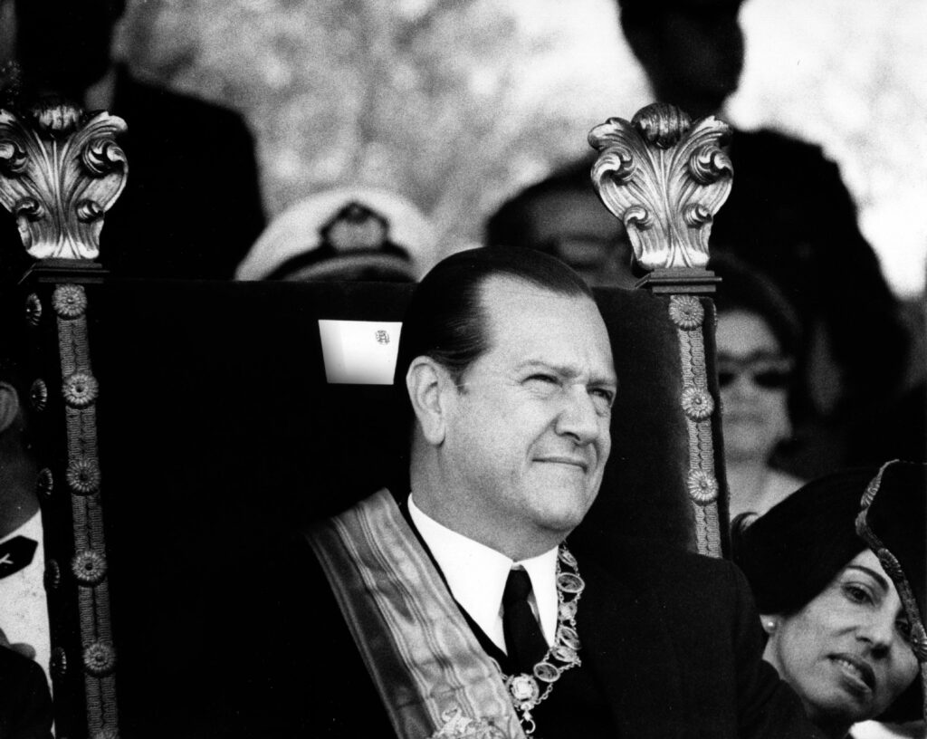 1969. Marzo, 12. Desfile militar en los Próceres con motivo de la Toma de Posesión.
