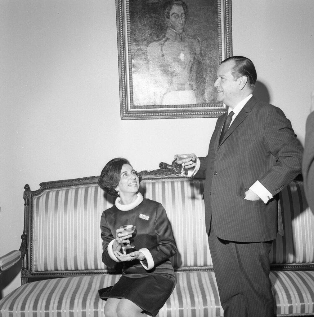 1969. Marzo, 13. Recepción de inauguración del nuevo gbierno, ofrecida en la residencia presidencial La Casona.