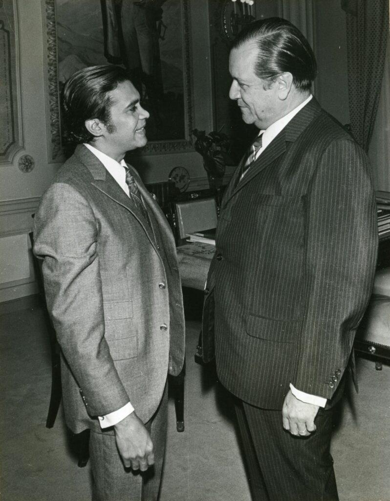 1970. Octubre, 8. Visita de Héctor Cabrera a Miraflores.