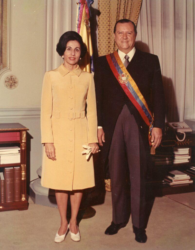1971. Marzo, 13. Pareja presidencial 1969-1974.