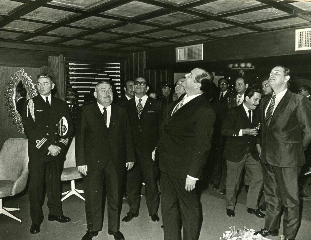 1971. Marzo, 15. Junto a José Chepino Gerbasi en la inauguración de la Casa Nacional del Periodista.