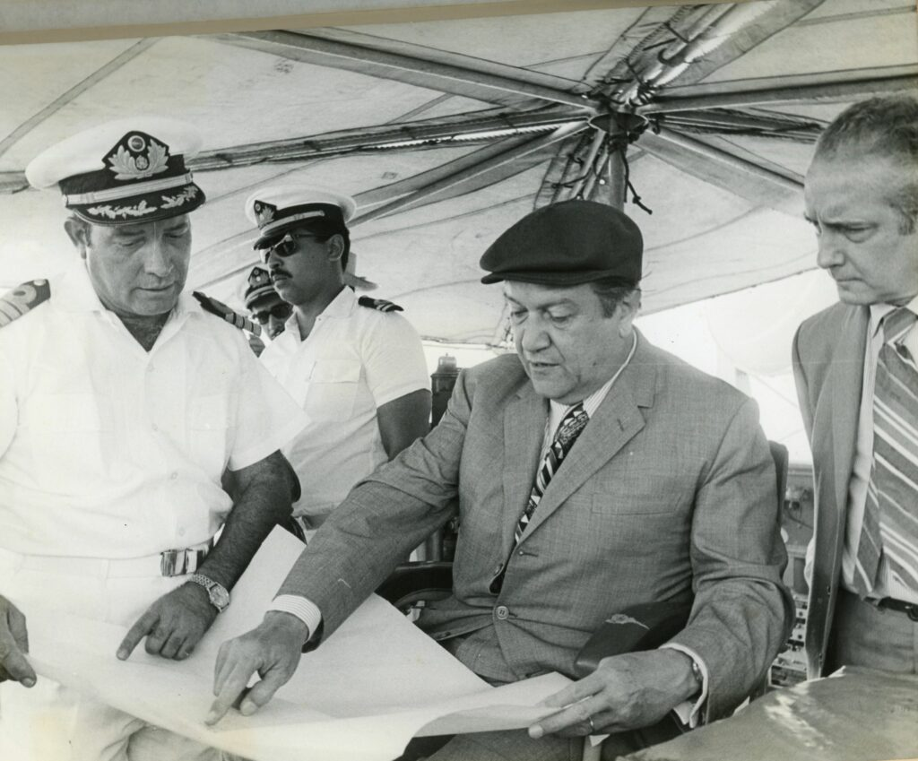 1971. Mayo, 2. Visita al archipiélago Los Monjes.