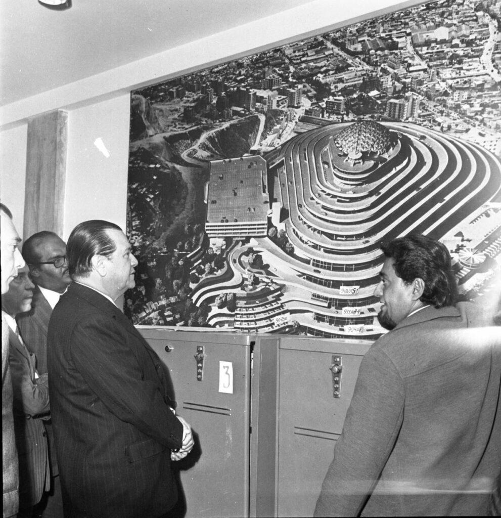 1972. Abril, 4. Inspección del Presidente a El Helicoide.