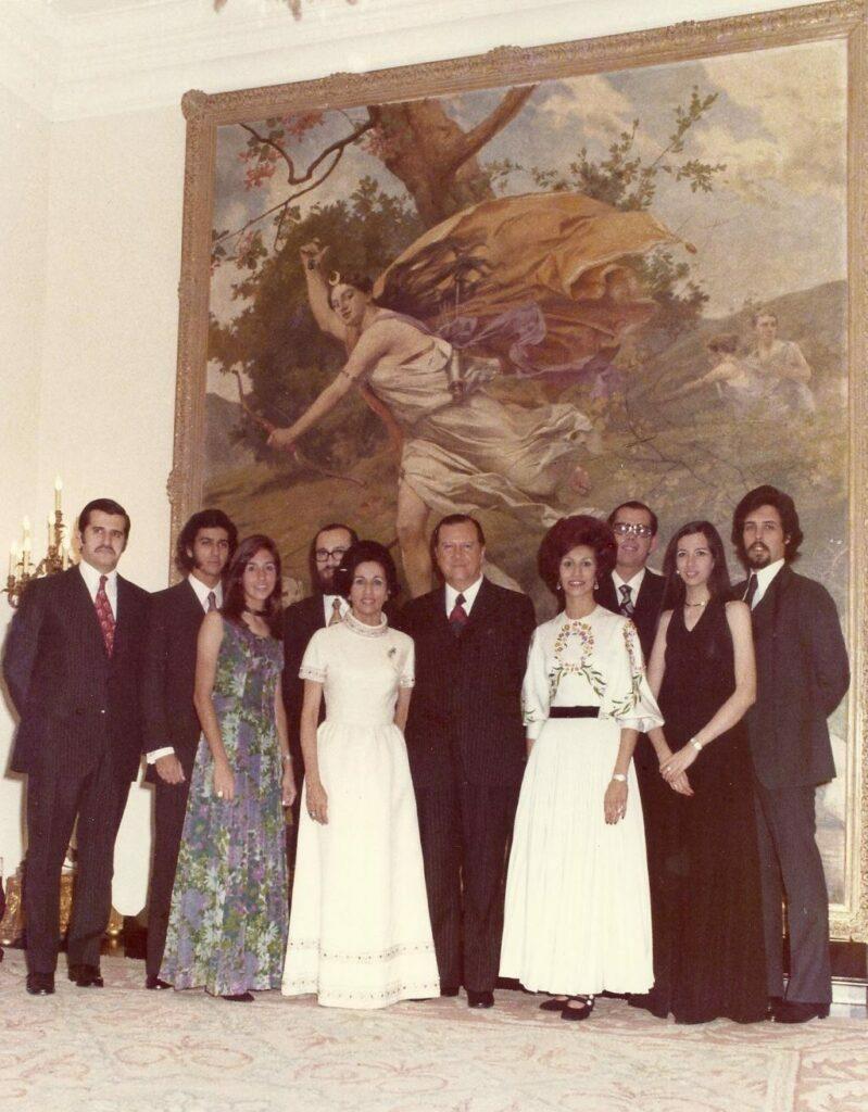 1972. Diciembre, 24. Familia Caldera en el Salón Diana Cazadora, La Casona.