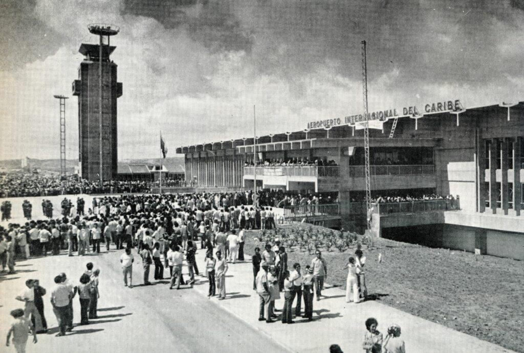 1973. Diciembre, 2. Inauguración del aeropuerto internacional de Margarita.