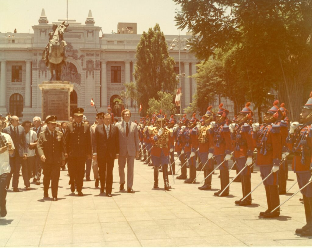 1973. Febrero, 12. Visita oficial a Lima, Perú.