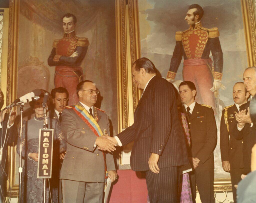 1973. Febrero, 6. Con el presidente Guillermo Rodríguez Lara en Quito, Ecuador