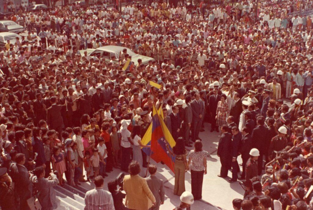 1973. Julio, 13. Nueva Catedral y Plaza Bolívar de San Felipe, estado Yaracuy.