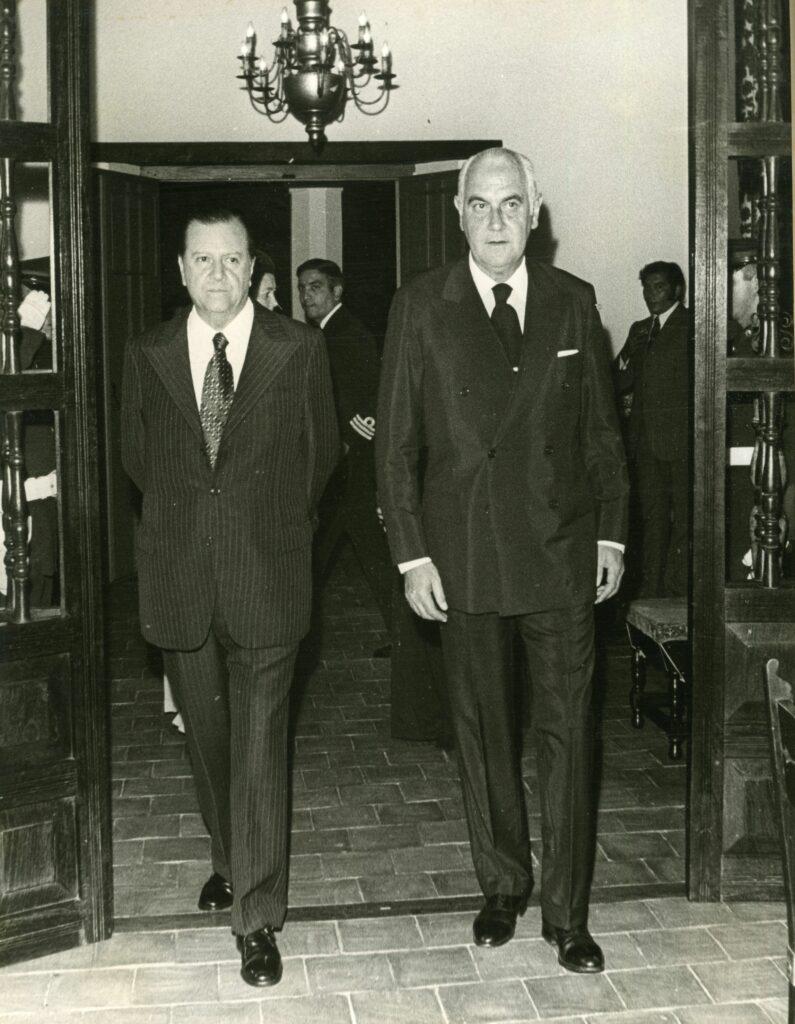 1972. Febrero, 27. Encuentro en La Guzmania, Macuto, con el presidente de la República Argentina, Alejandro Lanusse.