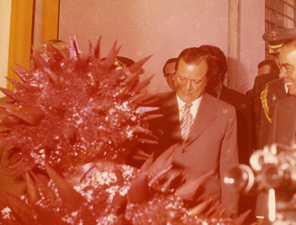 1973. Visita a la producción del programa de televisión infantil Sopotocientos.