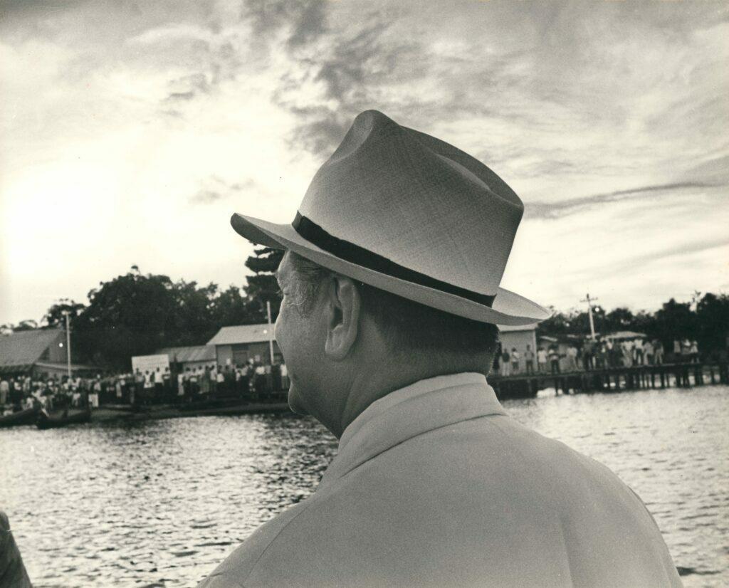 1974. Junto al río Orinoco.