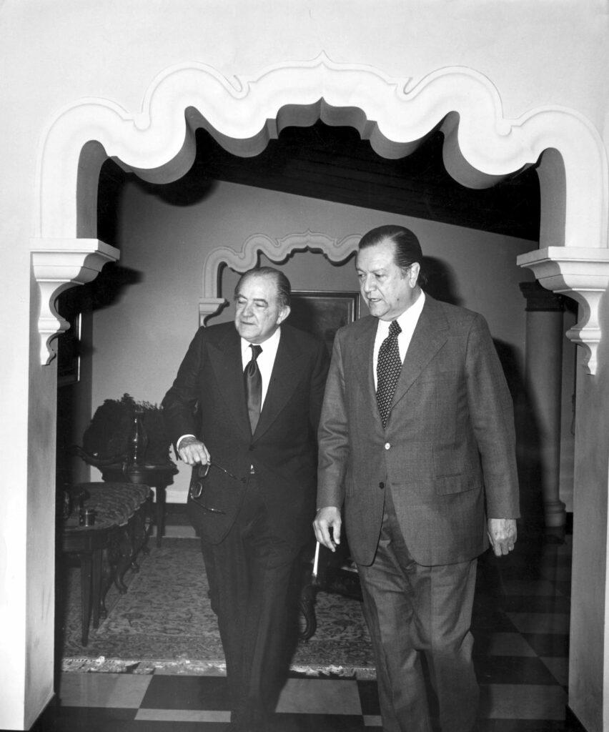 1974. Marzo, 10. Foro en El Nacional con Miguel Otero Silva.