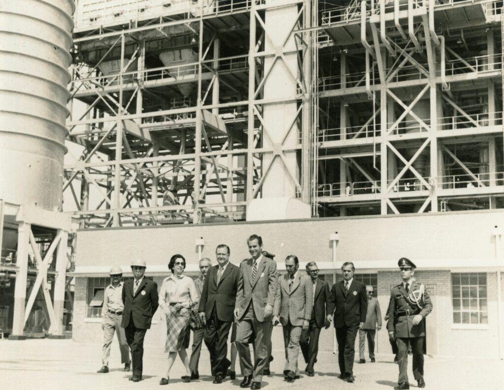 1974. Octubre, 11. Visita a la Industria de Petróleo Iraní en Abadan.