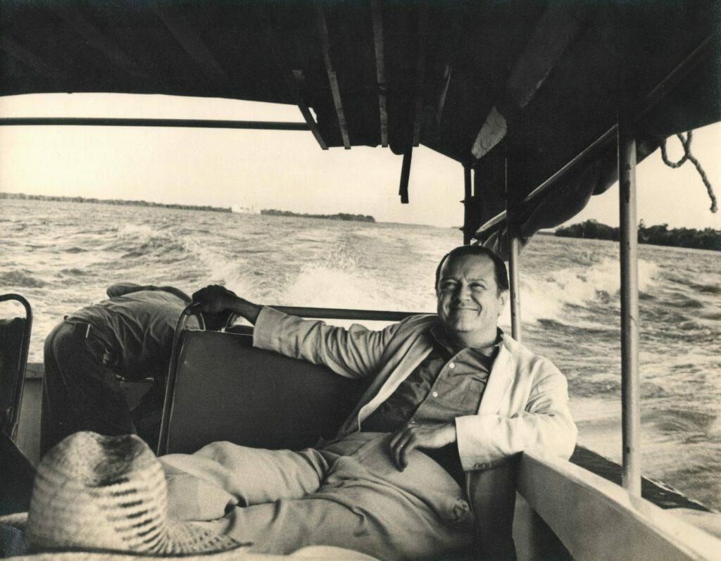 1974. Paseo por el río Orinoco.