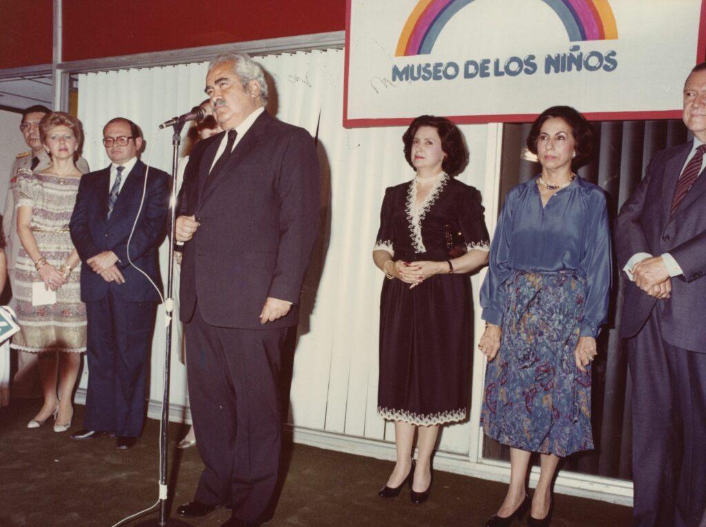 Alicia Pietri de Caldera al inaugurar el Museo de los Niños (1982)