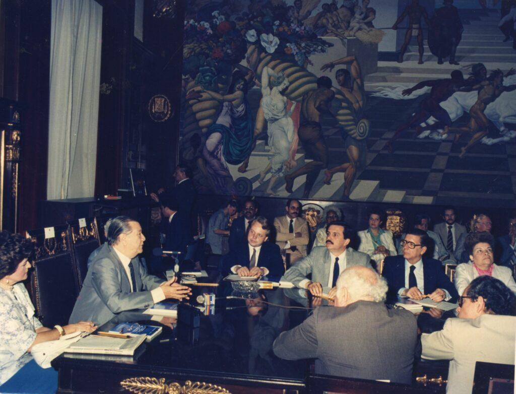 1990. Mayo, 2. ALA / El Universal: La crisis y el trabajo