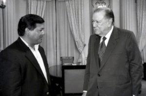 1994. Abril, 18. Visita de Andrés Velásquez, gobernador del estado Bolívar, en Miraflores.