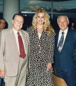 1994. Abril, 19. En el Clásico Presidente de la República, en el Hipódromo La Rinconada, acompañado por Irene Sáez y Rafael Rodríguez Navarro.