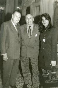 1994. Agosto, 16. Almuerzo en Miraflores con Simón Díaz y su hija Bettsimar.