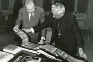 1994. Agosto, 8. Almuerzo en Miraflores con el Cardenal Rosalio Castillo Lara.