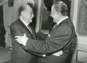 1994. Diciembre, 12. Almuerzo en Miraflores con el ex presidente de Chile, Patricio Aylwin.