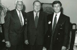 1994. Julio, 26. Almuerzo en el Palacio de Miraflores con Marco Antonio Musiú Lacavalarie y su hijo Musiuíto.