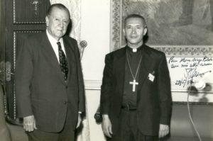 1994. Mayo, 20. Visita de Monseñor Diego Padrón a Miraflores.