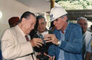 1994. Octubre, 16. Inspección a las obras del transvase Yacambú-Quíbor, con Miguel Nucete. Al fondo Roberto Pérez Lecuna.