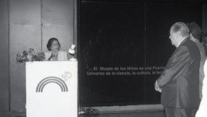1995. Julio, 21. Visita al Museo de los Niños. Parque Central, Caracas.