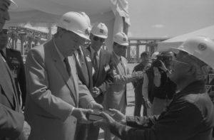 1996. Marzo, 15. Inauguración de la planta de generación eléctrica de GENEVAC, estado Falcón.