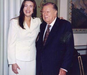 1997. Julio, 2. Almuerzo en honor Alicia Machado, Miss Universo 1996 y sus padres, en el Palacio de Miraflores.