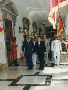 1997. Julio, 28. Visita oficial del presidente Juan Carlos Wasmosy del Paraguay, en el Palacio de Miraflores.