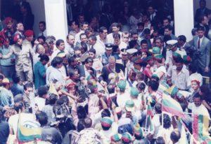 1997. Marzo, 13.Tercer Mensaje al Congreso Nacional, llegada al Palacio de Miraflores.