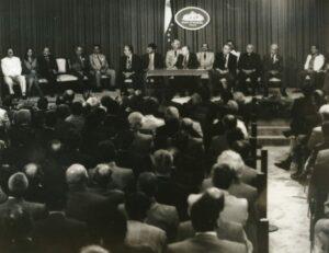 1997. Marzo, 23. Firma del Acuerdo Tripartito para la Reforma Laboral y la Seguridad Social, en el salón Ayacucho del Palacio de Miraflores.