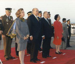 1997. Mayo, 18. Recibimiento en Maiquetía al presidente del Uruguay, Julio María Sanguinetti y señora.
