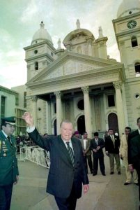 1997. Noviembre, 18. En la misa de la Virgen de Chiquinquirá.