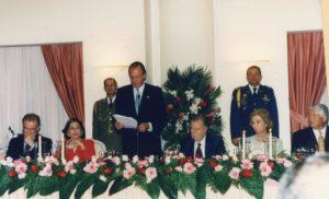 1997. Noviembre, 7. Habla el Rey Juan Carlos I de España. Aparecen los presidentes de Portugal y Panamá, Jorge Sampaio y Ernesto Pérez Valladares.