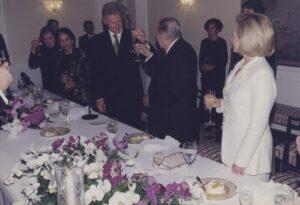 1997. Octubre, 13. Visita de Bill y Hillary Clinton a La Casona. Cena de gala.