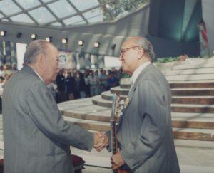 1998. Enero, 14. Encuentro con Alirio Díaz en la celebración de la Divina Pastora, en Barquisimeto.