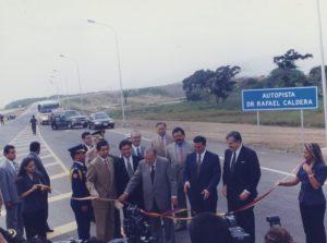 1998. Julio, 2. Inauguración tramo El Chino- El Guayabo en Yaracuy de la autopista Centro-Occidental Rafael Caldera.