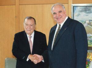 1998. Marzo, 19. Encuentro con el canciller Helmut Kohl, Berlín, Alemania.