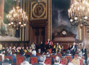 1998. Marzo, 20. Doctorado Honoris Causa La Sorbona, París.