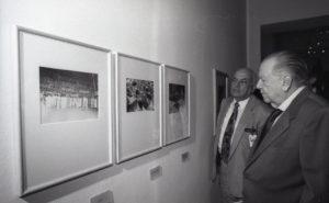 1998. Marzo, 29. Exposicíon del Archivo Histórico de Miraflores en la Galería de Arte Nacional, Caracas, en compañía de Germán Castillo Pinto.