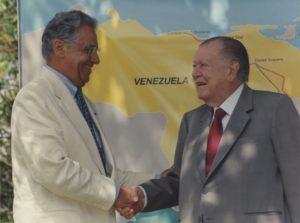 1998. Noviembre, 23. Inauguración de la carretera BR-174, línea fronteriza de Venezuela con Brasil, Santa Elena de Uairén, estado Bolívar.