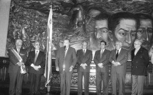 1998. Septiembre, 16. Imposición del Gran Cordón de la Orden del Libertador a José León Tapia.