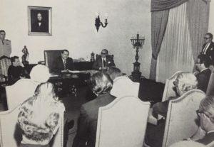 1971. Agosto, 3. Rafael Caldera en La Casona, entrega obra póstuma Pi Sunyer