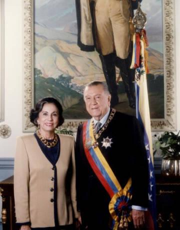 Rafael Caldera en 1994. Febrero, 7. Pareja Presidencial para el período constitucional 1994-1999, en el Palacio de Miraflores.